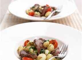 Stir-fry venison with gnocchi and fresh tomato sauce