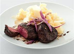 Venison Medallions with parmesan mashed potatoes